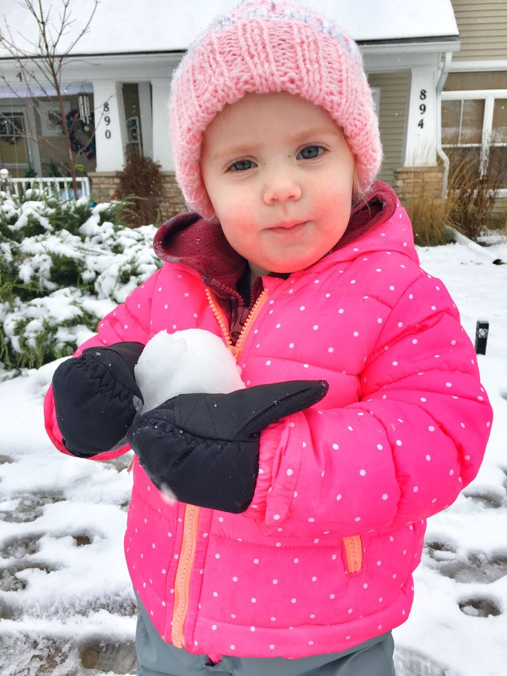 Read tips from a Minnesota mom about picking kids winter clothes and how to get kids to keep their winter clothes on when it is cold outside.