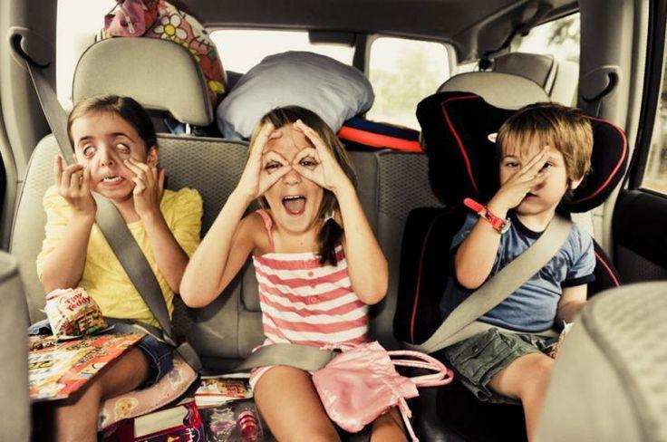 Al volante Viaggiare con bambini in auto: 10 consigli per evitare problemi [multipage]  Viaggiare con i bambini in auto specialmente per lunghi percorsi necessita particolari accorgimenti. Due sono i criteri fondamentali di cui #volante #alvolante #motori #inchieste #prove #automobilismo