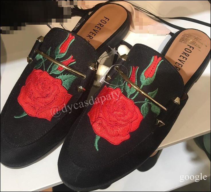 A @forever21brasil traz o Mule com bordado em flor,super combina com calça jeans ,valor R$89,90, maravilhoso ,vale a pena ir na loja conferir. #dycasdapaty #forever21 #mule #forever #forever21brasil #moda #garimpando #achadinho #achadosfashion #fashionista #trendalert #trend #achadinhosdycasdapaty #cea #preçobaixoemsalvador #shoppingpiedade #shoppingdabahia #riachuelo #zarav#rosacha #salvadorshopping #shoppingparalela #lojasamericanas #voudemarisa #marketingdigital #beauty #boanoite #bomdia