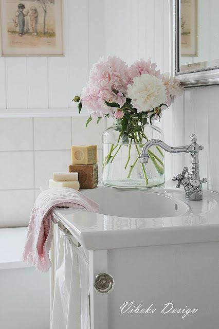 VIBEKE DESIGN: Summer in the room! (bathroom )