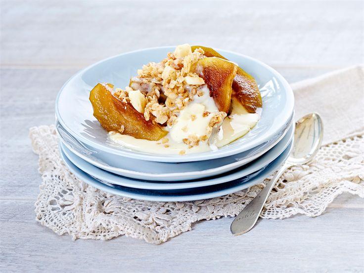 Valio voi sitruunasta sitruscurd on raikas herkku kahvipöytään. http://www.valio.fi/reseptit/sitruunainen-pahkinagranola/ #resepti #valio #leivonta