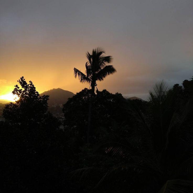 Burning sun. #super_brazil #superhubs #superbrazil #visualfolk #folkmagazine #folkvibe #folkgood #igshotz #achadosdasemana #igersES #igersbrasil #igersvilavelha #afternoon #sol #entardecer #sky #ceu #view #vista #brazil #brasil #instagram #instagood #vilavelha #espiritosanto #achadosdasemana #brasilgram #BrasilFolk #thecreative #photography #fotografia http://tipsrazzi.com/ipost/1504691295652781656/?code=BThvMLeAZ5Y