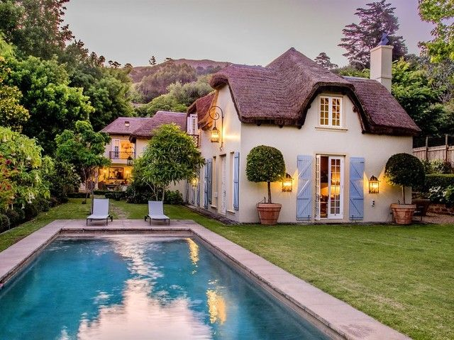 5 Bedroom House For Sale in Constantia | Lew Geffen Sotheby's International Realty
