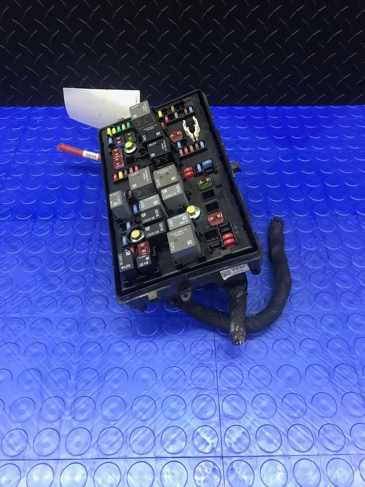 OE Chevrolet Cruze Engine Relay Fuse Power Distribution