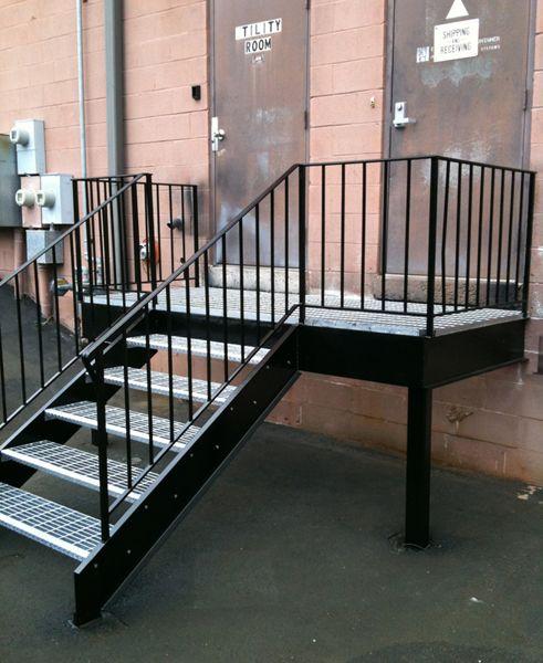 Best Galvanized Grating Stair Treads Slipnot® Hq Stairs 640 x 480