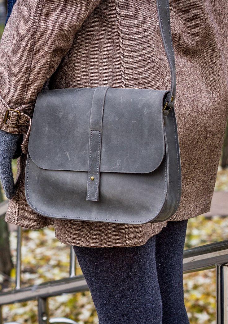 Vintage grey bag looks pretty nice this season 😍 #womenbags #leatherbag