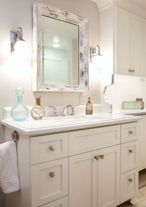93 best beach cottage decor images on pinterest beach for Cottage style bathroom ideas