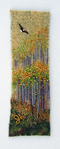 Large photo of Soar.  By JoWood.  Be sure to visit her website at http://www.jowoodbeads.com/gallery/120/soar