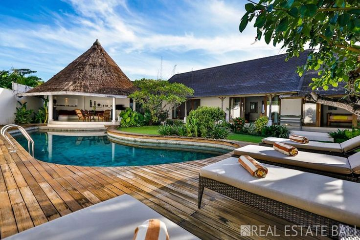 Stunning oasis!, villa for sale in the heart of Seminyak