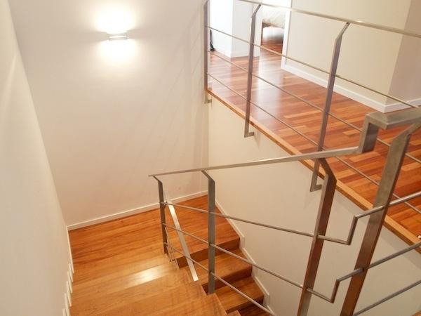 Escalera Vivienda Burgués