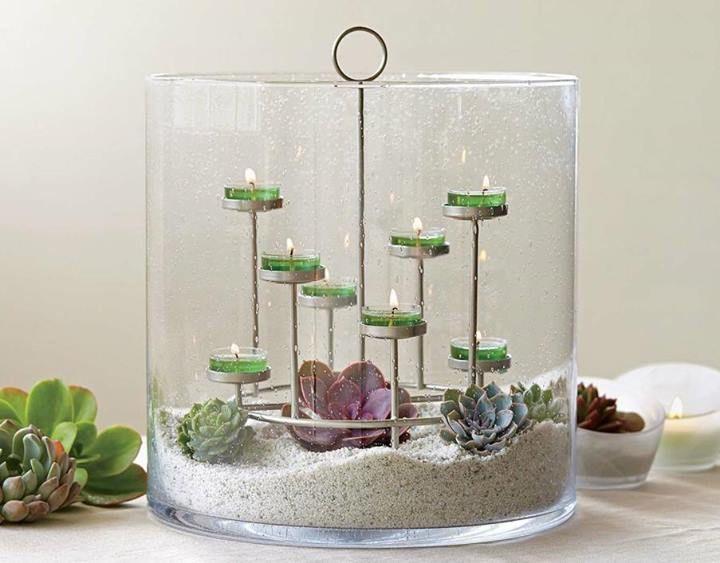 Windlichtglas Majestic, überdimensionales, mundgeblasenes Windlichtglas mit Bläschenstruktur. H: 30 cm, D: 29 cm. Inkl. Teelichthalter aus Metall. https://susannerentsch.partylite.ch/Shop