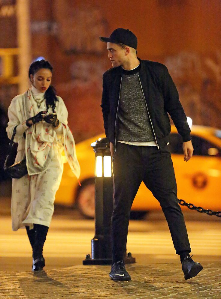 #robertpttinson out and about in NYC with FKA twiggs