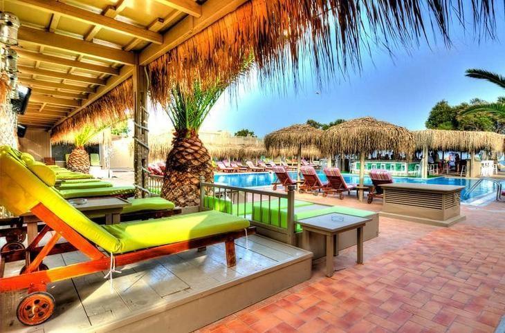 Fun around the pool:) Jojo Beach Hotel Santorini