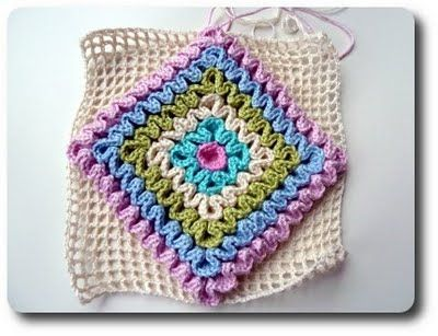 wiggly crochet or ruffling technique tutorial - http://made-in-k-town.blogspot.de/2011/09/wiggly-tutorial-1.html