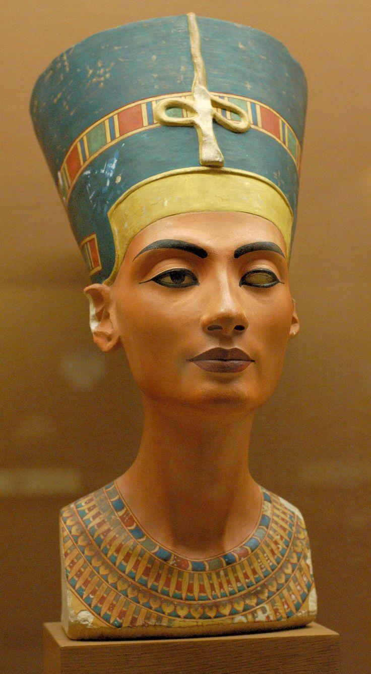 Busto de Nefertiti. 1550- 1295 a.C. Autor: Tutmose. No busca la originalidad, la rechaza.