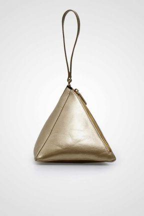 Pyramidal Clutch Bag #clutchbag #taspesta #handbag #clutchpesta #fauxleather #leather #kulit #fashionable #stylish #trend #color #gold Kindly visit our website : www.bagquire.com