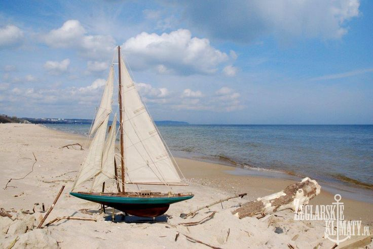 model yacht on the sea  http://zeglarskieklimaty.pl/