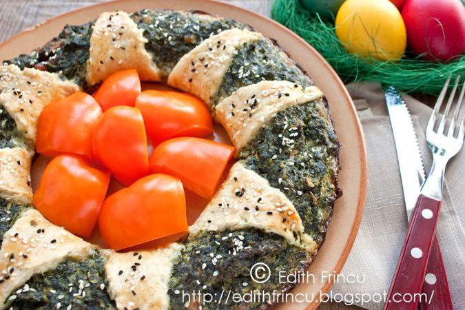 CORONITA CU SPANAC- Coronita asta a fost unul dintre aperitivele de pe masa de Paste. Este o alta varianta a Coronitei cu carne tocata, de data asta umpluta cu spanac. Ne treb