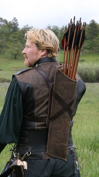 Ravenswood Leather's Elven Quiver. Multiposition belts for back or leg drawing.                                                                                                                                                     More
