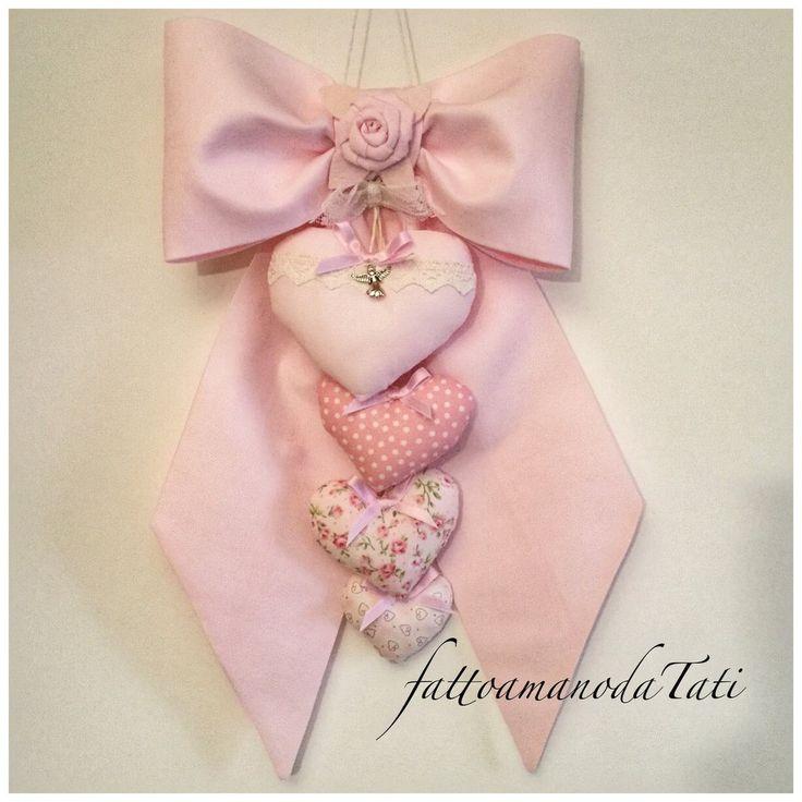 Fiocco nascita in piquet di cotone rosa con cuori imbottiti, by fattoamanodaTati su misshobby.com