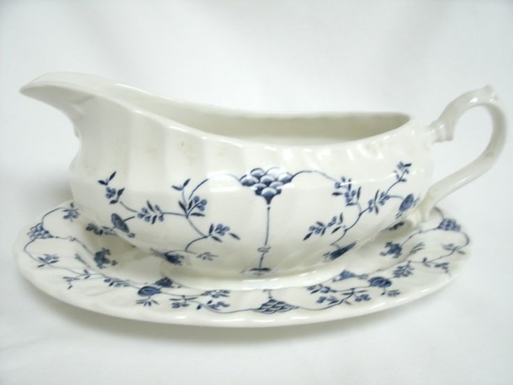 Churchill China Gravy Boat and Under-Plate Finlandia Design England 8 7/8 Inches   Churchill+China+Gravy+Boat+and+Under-Plate+Finlandia+Design+England+8+7/8+Inches