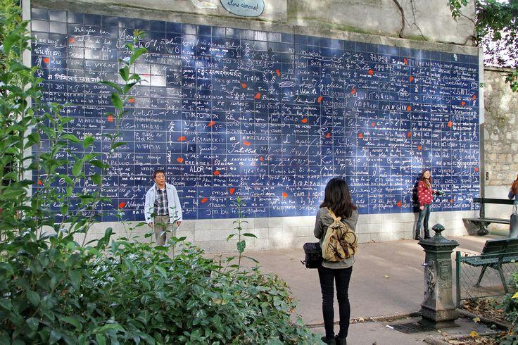 Le mur des Je t'aime, à Montmartre (Paris).