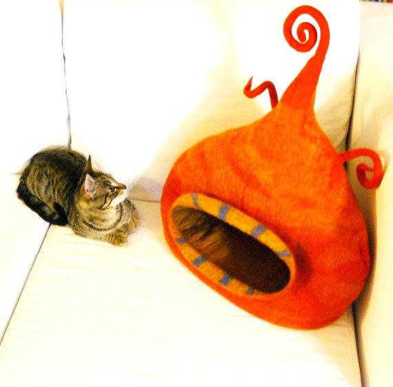 felted cat house / by MajorLaura - etsy