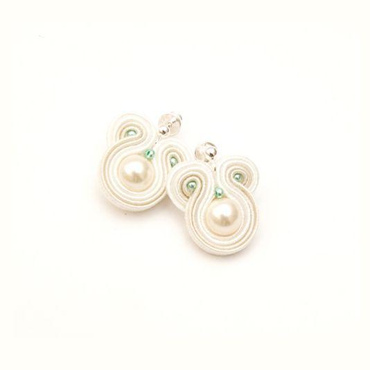 Kolczyki soutache - perły mini.  Dostępne w Madame Allure!