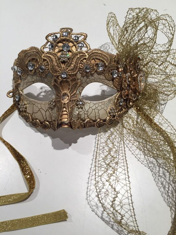 Halloween mask-Mardi Gras Mask-  gold feather  Mask - Save Venice -masquarade Mask- Costume party mask- Purim- Masquerade Ball- Mardi Gras