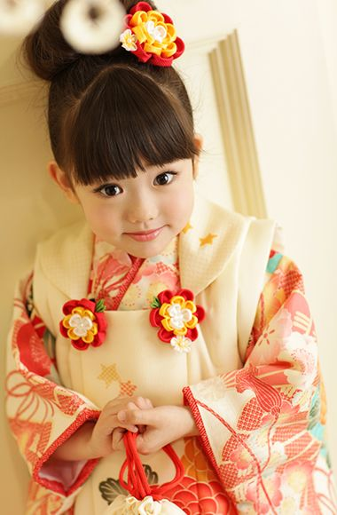 The little girl of the kimono. Very cute!     #Kimono