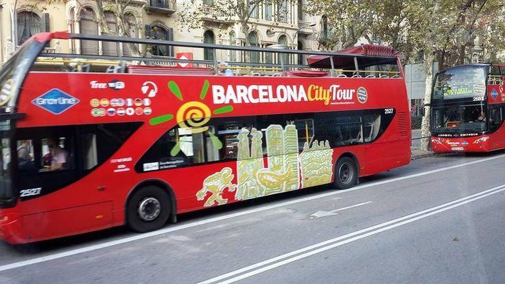 Barcelona City Tour Bus, cakep yaa....kapan di Indonesia bisa punya kayak gini?   #OriflameID #GoldCruiseORIFLAME2014 #dBCNatGoldCruise
