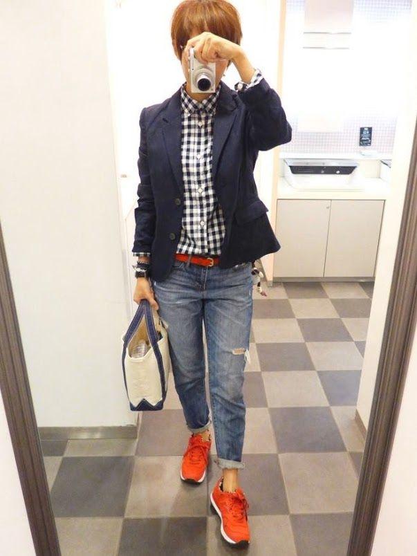 ここのところ赤づいてる Jacket/MUJI Shirt/GAPKIDS Bottoms/GAP Bag/L.L.Bean Shoes/NB It is a traditional fashion style today.