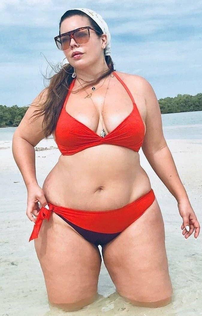 fcd074ce73 Fluvia Lacerda Curvy Bikini, Plus Size Bikini, Plus Size Swimsuits, Cute  Bikinis,