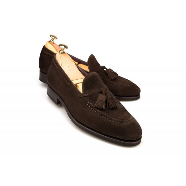 A smart loafer, fashioned in malleable suede, is an essential accompaniment to everyday wear. Carmina's tassel pair is fashioned from the brand's narrow Uetam last, allowing for a sleek look, while the half rubber sole in a Goodyear welt mean they're stur