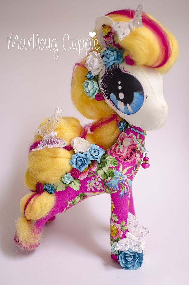 Miss Pink Loopy Yellow 2014 Marlibug Cuppie  www.facebook.com/marlibugcuppie