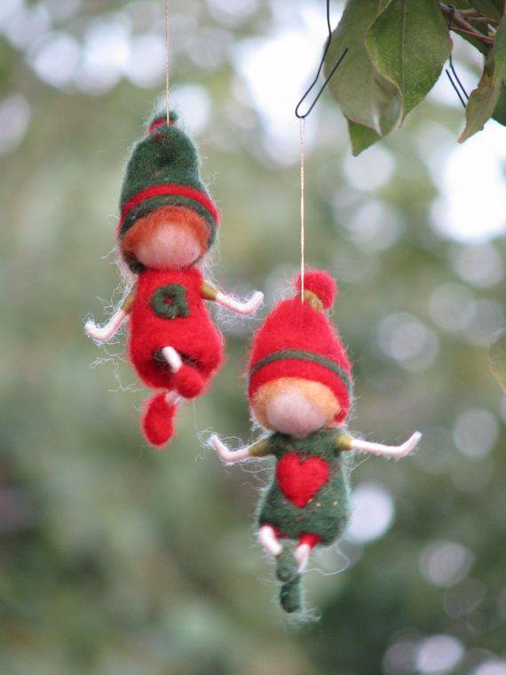 Aguja de fieltro waldorf inspirado ornamento de gnome de Navidad