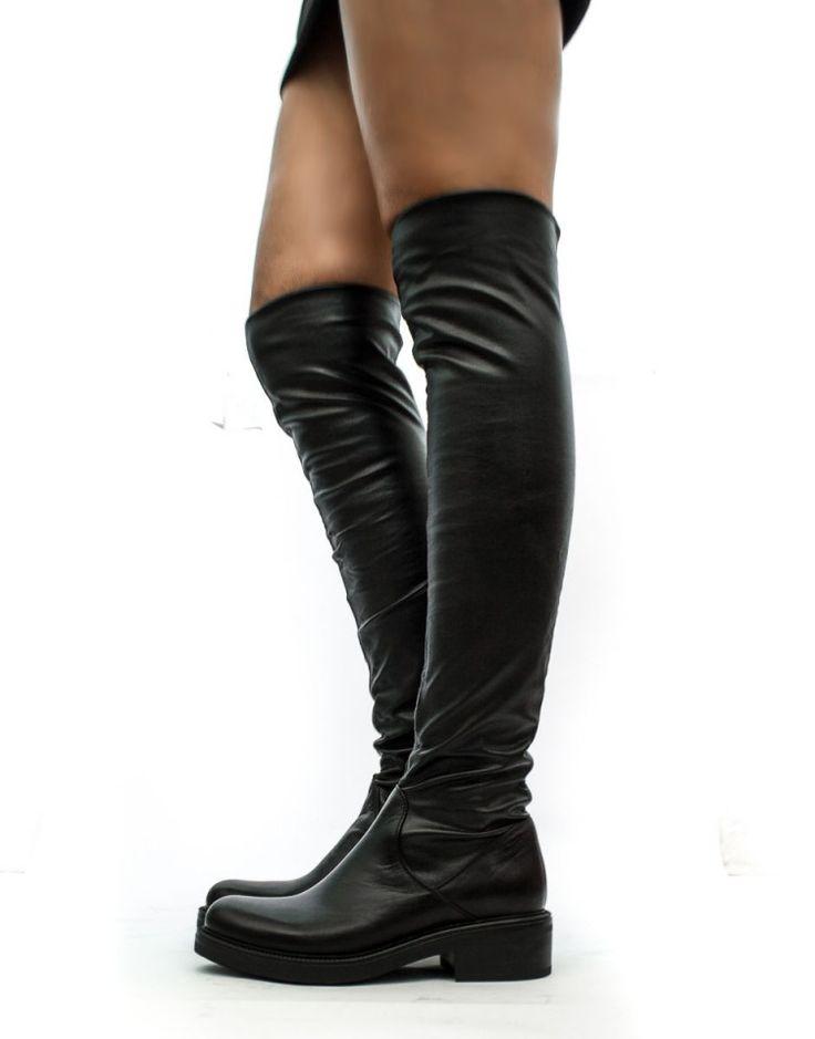 Stivali neri donna alti al ginocchio immagini