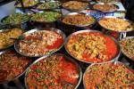 Deze vier currypasta's staan afzonderlijk op mijn pagina. Voor de liefhebber is het natuurlijk handig als ze allemaal bij elkaar staan. Daarom heb ik ze in dit artikel samengevoegd. Waar vissaus wordt gebruikt kan deze voor vegetariërs vervangen worden door vegetarische vissaus of sojasaus. Thaise rode currypasta Deze Thaise rode currypasta is echt heet! Als …