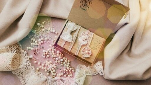 Www.lilandia.pl beautifull photography props for newborn. Headbands made with passion and love ! Awww it is so cute <3 !!!!