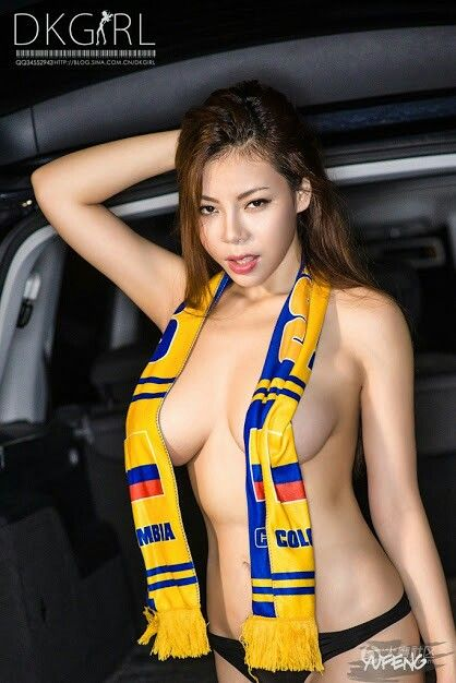 Top soccer babe Elise Tam