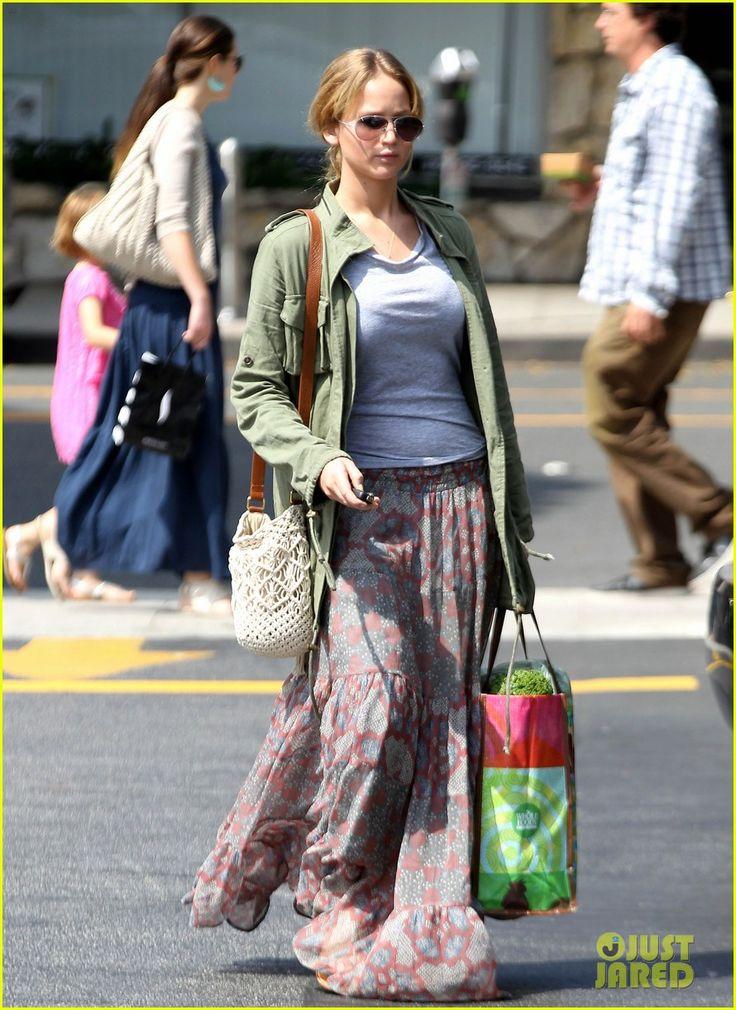 Jennifer Lawrence: Whole Foods Shopper