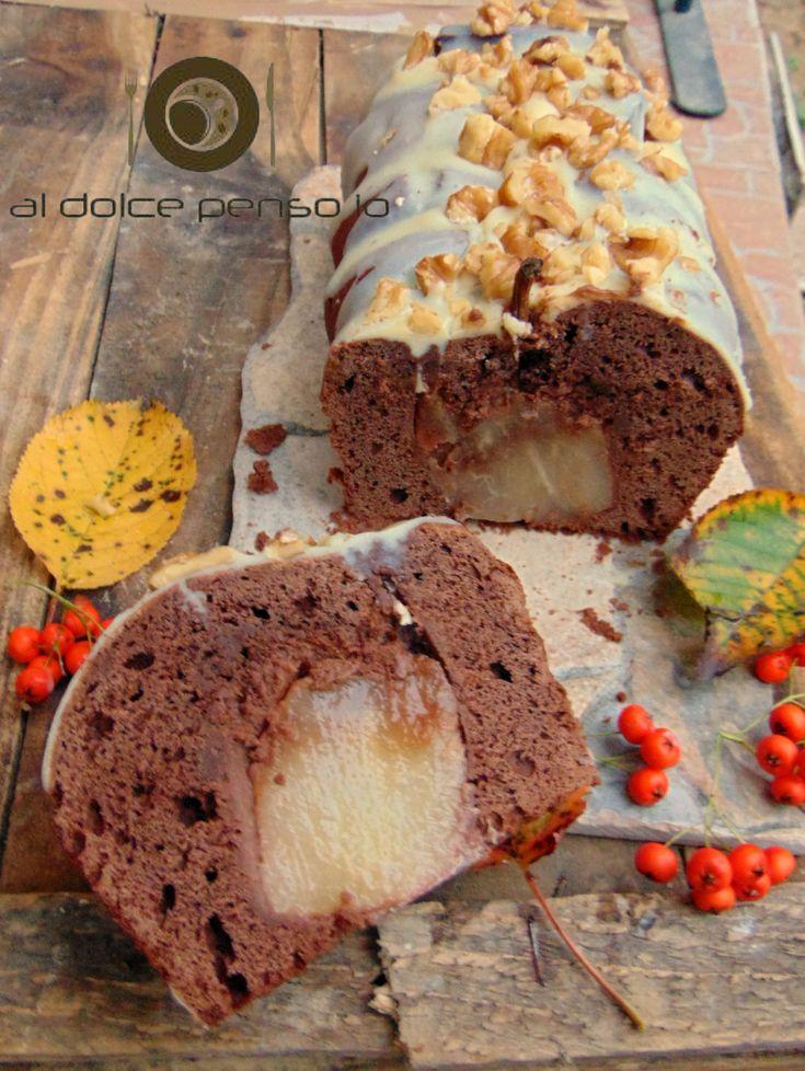 tronchetto al cioccolato con pere intere