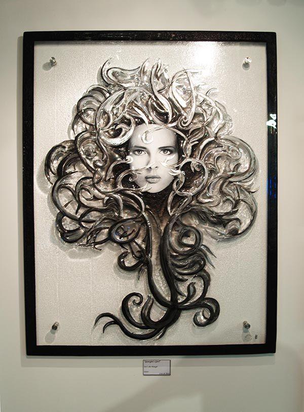 http://glassartgallery.com.au/portfolio/georgies-girl/