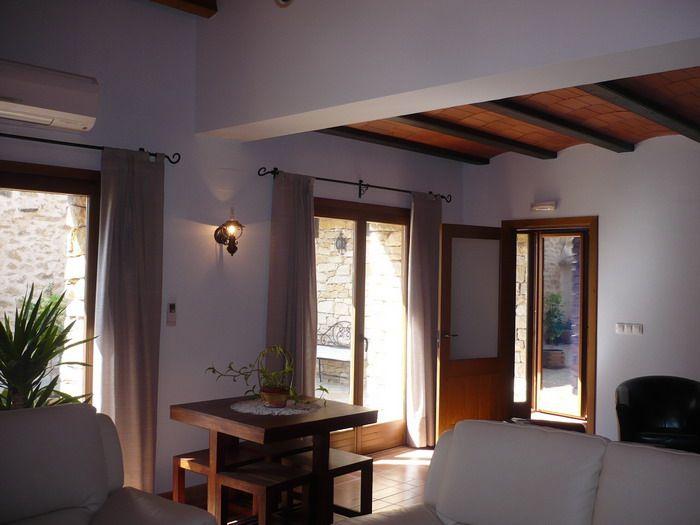 Para que te sientas como en casa. Encuéntranos en http://www.elcorraldevalero.com/