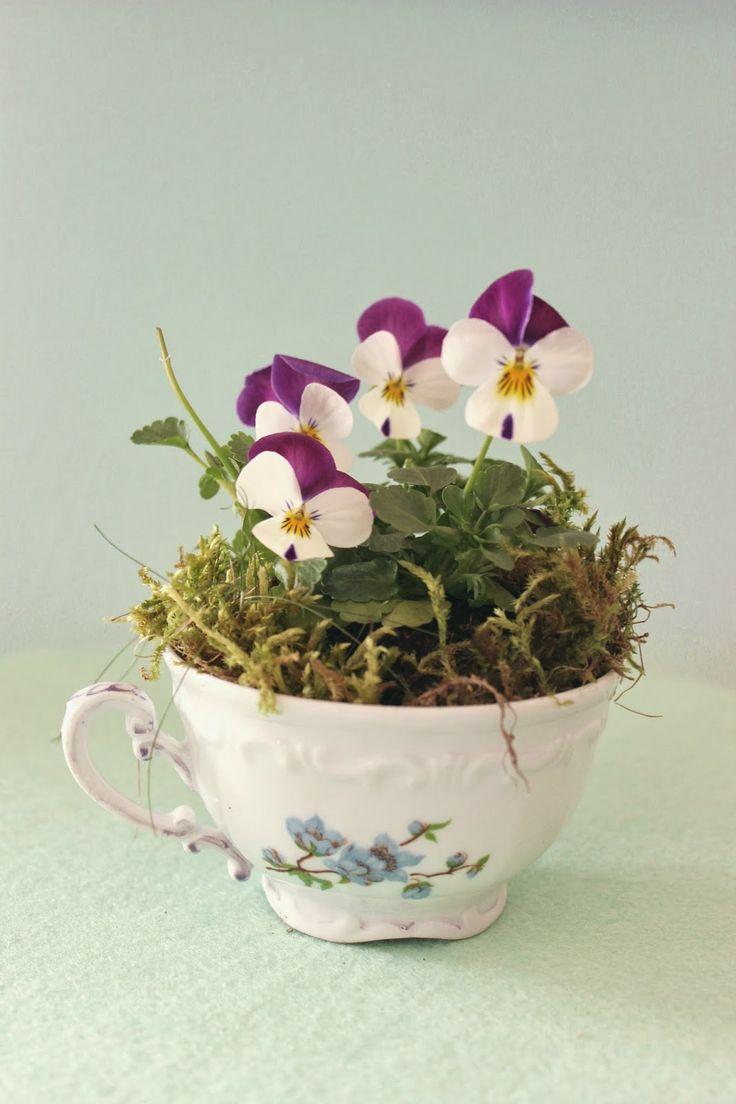 Tasse mit Blumen – Ostern