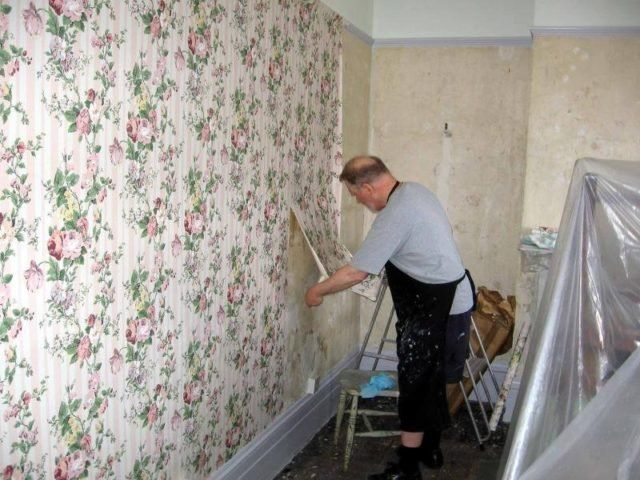 The Best Way To Remove Old Wallpaper Removing Old Wallpaper Removable Wallpaper Cleaning Painted Walls