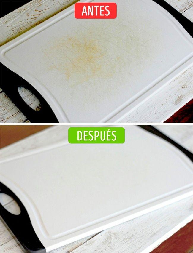 límpiala con una esponja empapada en una solución de zumo de limón y sal.