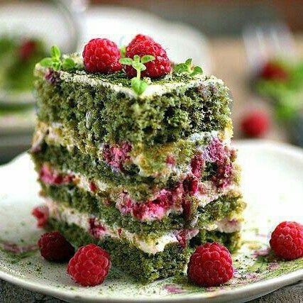 Изумрудный торт со шпинатом | HomeBaked