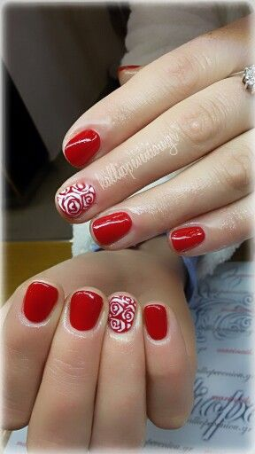 #nails #nailart #rednails #shortnails #handpaintingdesign