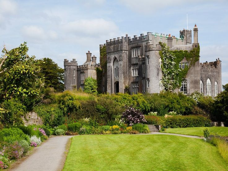 Many travelers who skip the Midlands miss one of the country's best-preserved heritage towns, Birr. Its main attraction, Birr Castle Demesne, dates to 1620 and remains a private home. Tour the 50-hectare castle grounds and gardens, where you're free to wander among more than 1,000 species of plants and flowers